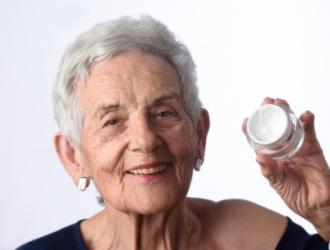 Senjorų odos priežiūra